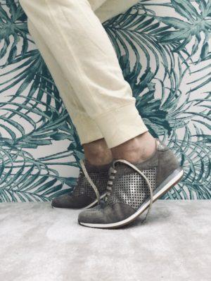 Basket confort daim / cuir.