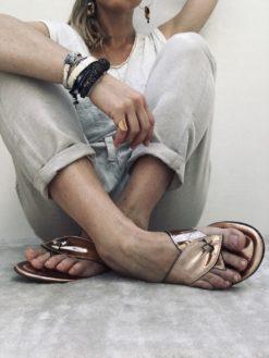 Nu-pieds em cuir miroir or rose MAISON VIA ROMA.