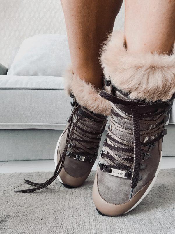 Basket style alpin compensée en cuir et fourrure MAISON VIA ROMA. Hiver 2019